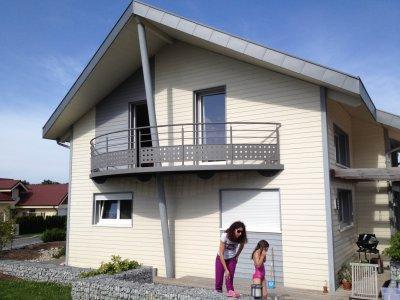Maison bioclimatique sans entretien, Fournets-Luisans (2008)